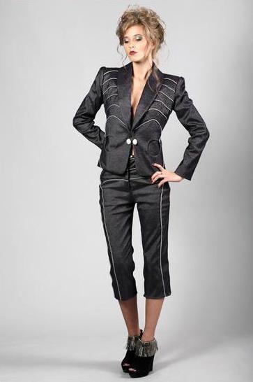 STEVIE Suit